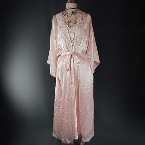 Other - 1960's two piece robe and slip set.